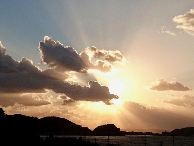 龍雲と夕日 Dragon cloud