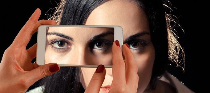 Smartphone, Handyversicherung, Displaybruch, iPhone, Samsung