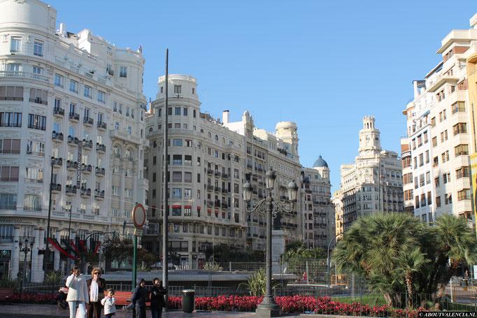 Plaza del Ayuntamiento, Valencia, Pleinen