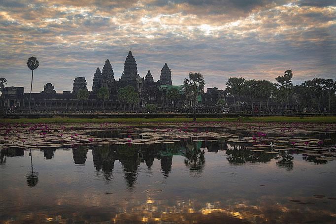 Otro Amanecer en Angkor Wat