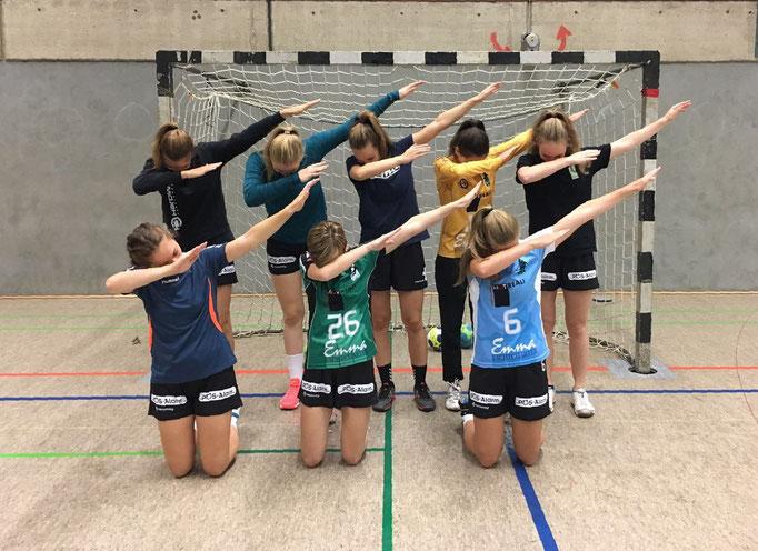 Klare Ansage der TuS Mädels vor dem Spiel gegen Luhdorf: Der Weg soll nach oben gehen!