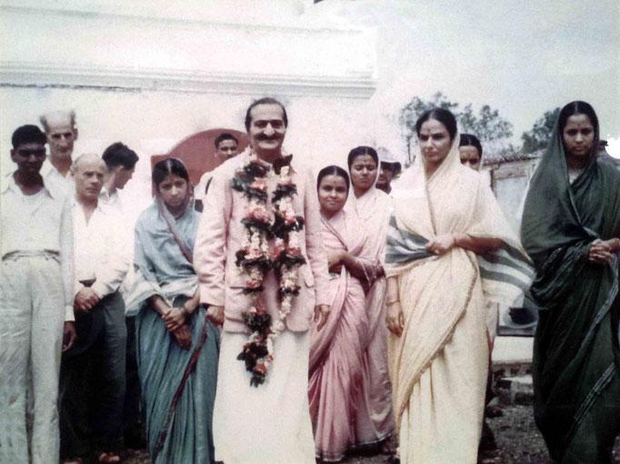 1954 - Upper Meherabad, India