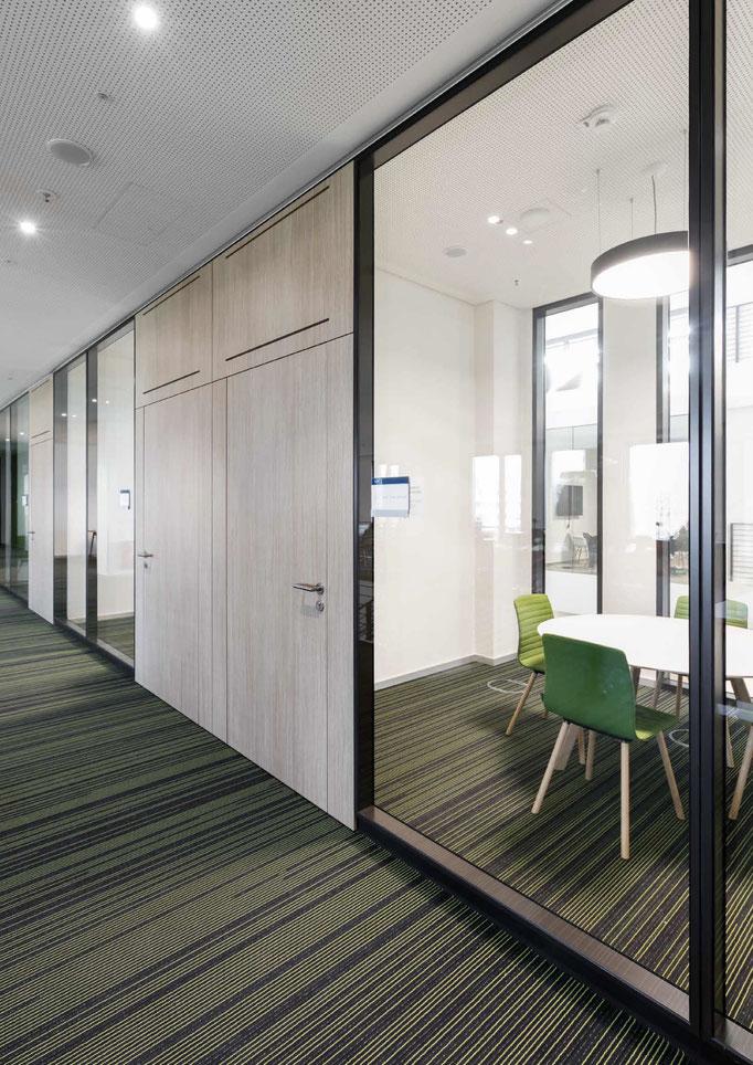 Trennwandysteme aus Glas - Wienss Innenausbau GmbH berät, fertigt und montiert. mit Schallschutz