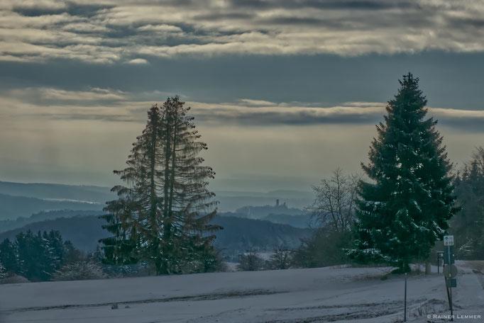 Blick vom Knoten auf Burg Greifenstein