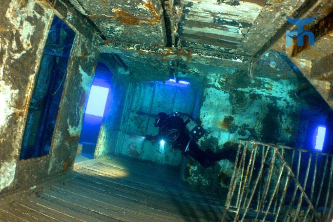 In den Gängen der MS Karvela auf 40 Metern Tiefe © Robert Hansen