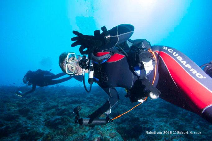 Renéefisch mit Productplacement - Malediven 2015 © Robert Hansen