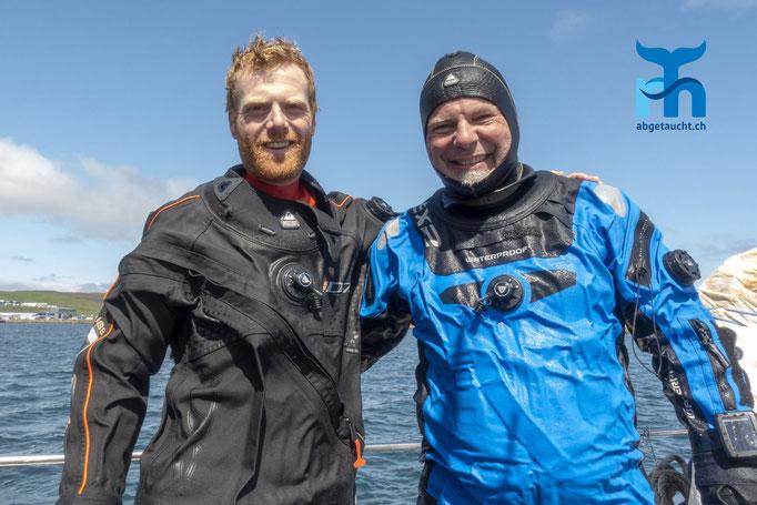 Billy und Robert nach dem Tauchgang in der Bucht von Lerwick © Renée Hansen, Juli 2019