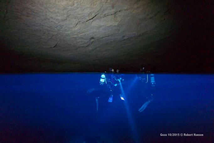 Im Innern der Billinghurst-Höhle können die Taucher auftauchen  © Robert Hansen, Gozo Oktober 2015