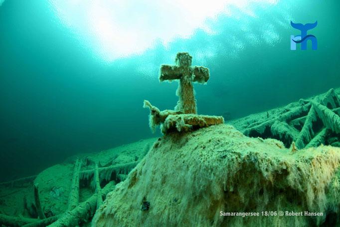 Das Kreuz erinnert an einen in den 1970er-Jahren verstorbenen Taucher.