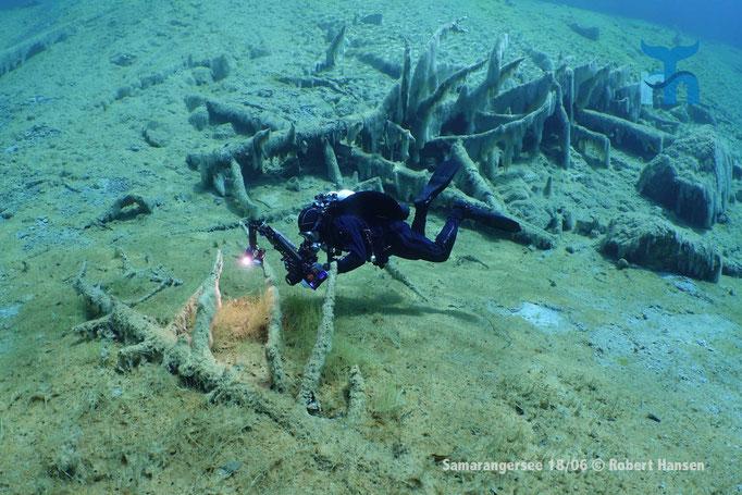 Gute Tarierung erforderlich: der Seegrund darf nicht berührt werden.