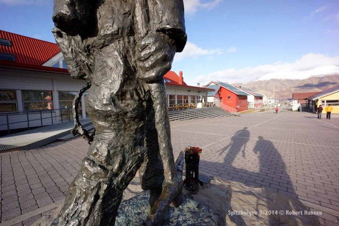 Longyearbyen - Svalbard 9/2014 © Robert Hansen