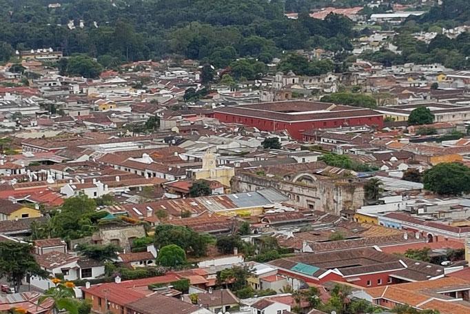 "Die Dächer Antiguas vom ""Cerro de la Cruz"" aus."