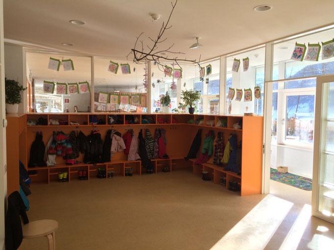 Die Garderobe des Kindergartens Weißenbach