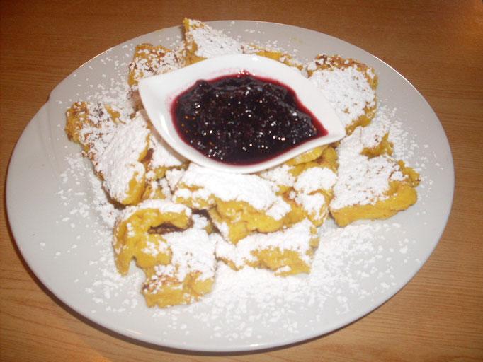 Der Kaiserschmarren: kulinarischer Leckerbissen auf der Marxegger Alm