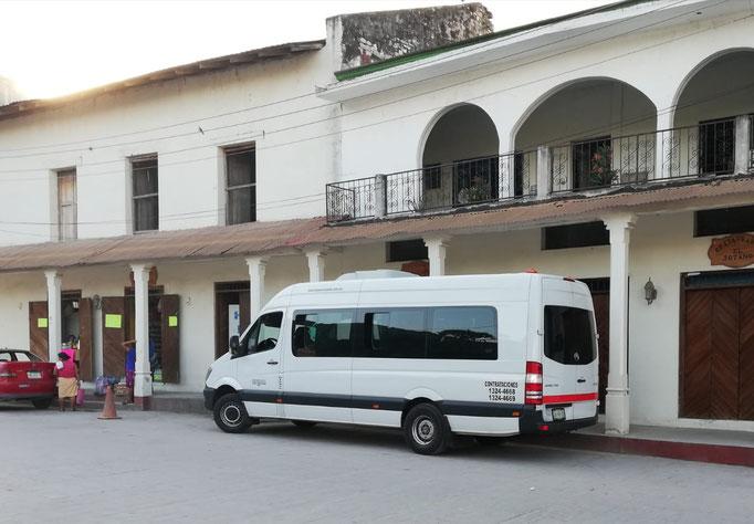 Renta de camionetas sprinter de turismo con chofer profesional para viajes familiares