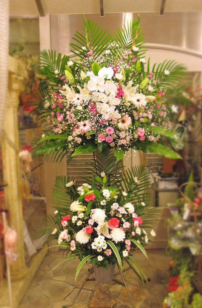 胡蝶蘭が入る二段生花スタンド