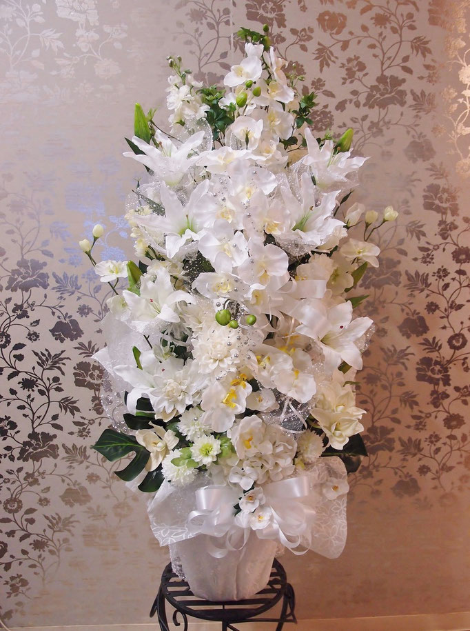 大きな造花アレンジメント