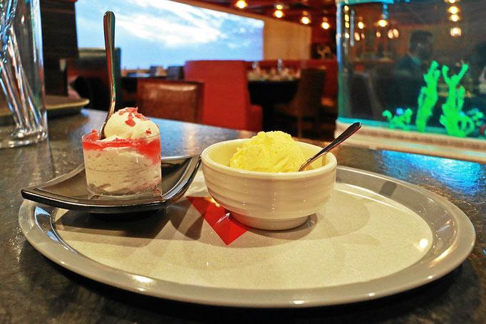 Mousse und fernöstliche Desserts