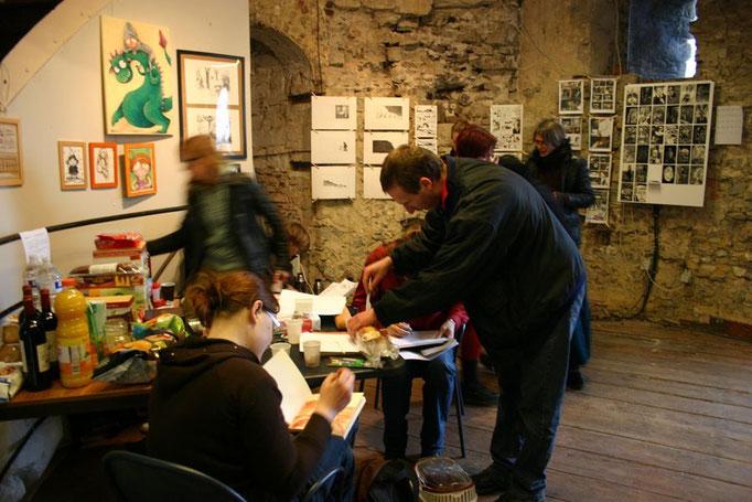 expo des Harengs Rouges dans une des tours de la Citadelle de Namur