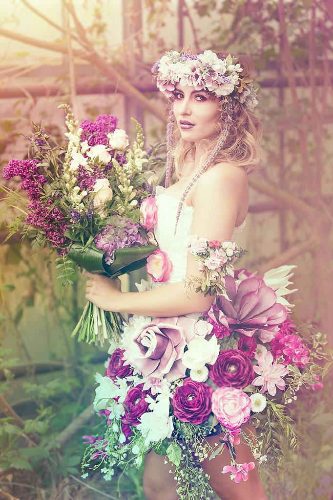 Prinzessin im Blumenkostüm