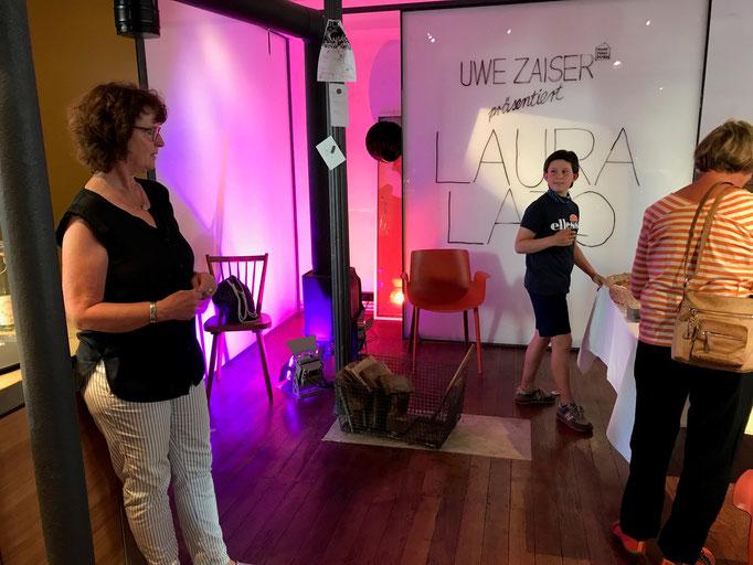 UWE ZAISER präsentiert LAURA LATO im WEINHAUS MOSER