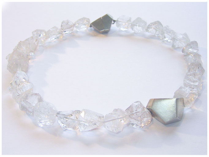 Bergkristallkette, mit Silbernen Zwischenteilen und Magnetverschluß