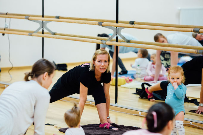 Trainerin Claudia beim Workout