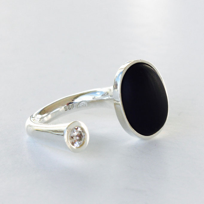 collec, Franziska Aeschimann Fingerring Onyx matt