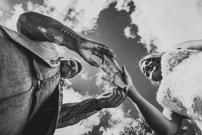 Hochzeitslocation: Joachim Flick Weingut, Straßenmühle, 65439 Flörsheim, Hochzeitsfotograf, Hochzeitsbilder, Ringtausch Hochzeitsfotograf, kreative Hochzeitsbilder Hochheim
