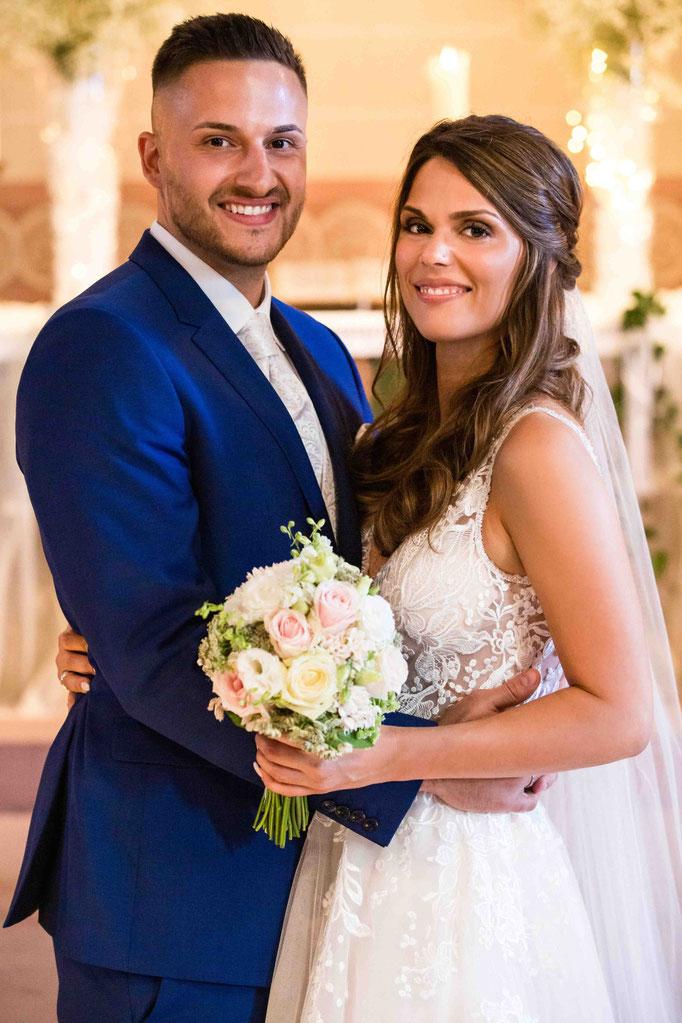 Ehepaar in der Kirche, Kirchliche Hochzeit, Kirchenhochzeit, Hochzeit in der Kirche, Hochzeitsfotograf
