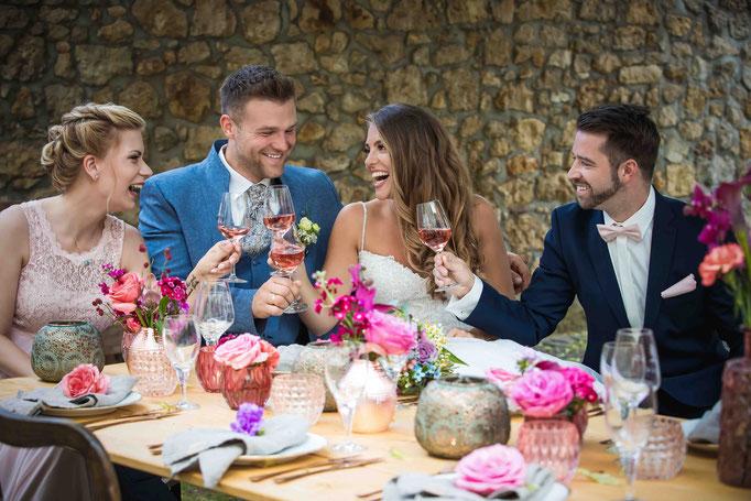 Stimmungsvoll Wein genießen auf dem Weingut Flick