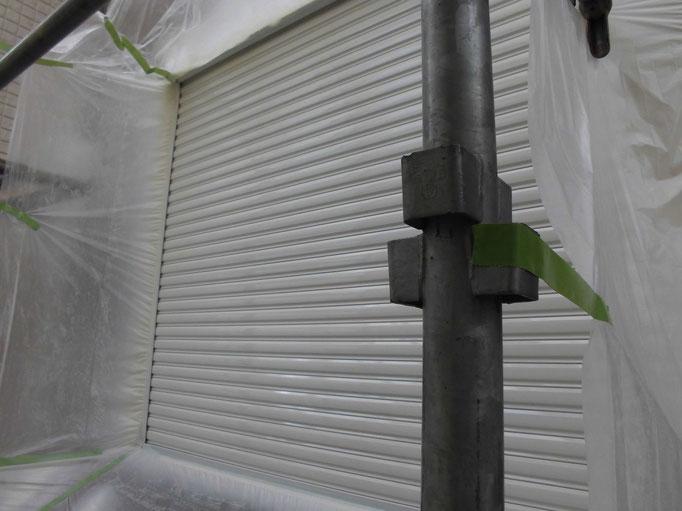 シャッター/高圧洗浄、ケレン、下地処理、主材中塗り塗装