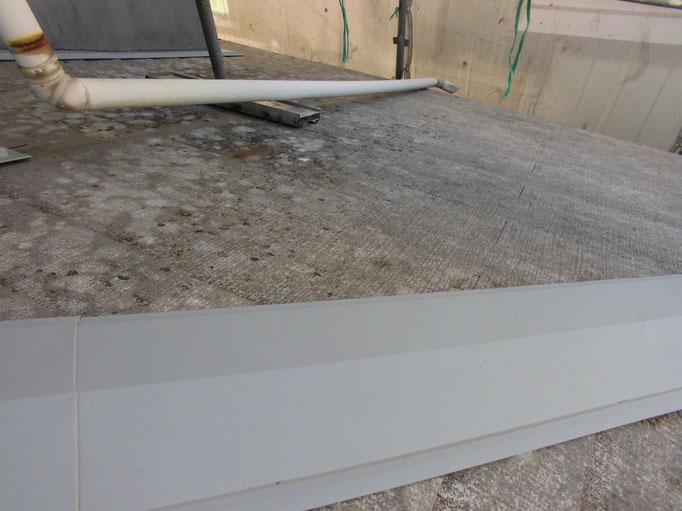 屋根/高圧洗浄、下地処理、鉄部錆止め塗装