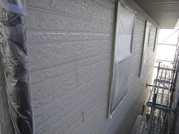 外壁(サイディング)/高圧洗浄、下地処理、ジョイントシール打替え、養生、下塗り塗装