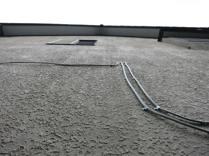 外壁(モルタル)/艶引き、汚れの付着