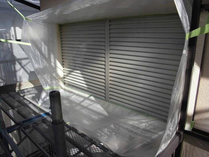 雨戸/高圧洗浄、ケレン、下地処理、錆止め塗装、主材中塗り