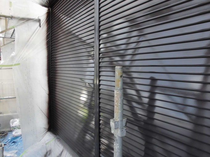 シャッター/高圧洗浄、ケレン、下地処理、中塗り塗装