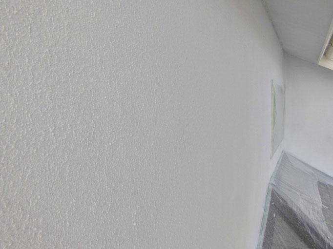 外壁/高圧洗浄、下地処理、養生、下塗り塗装