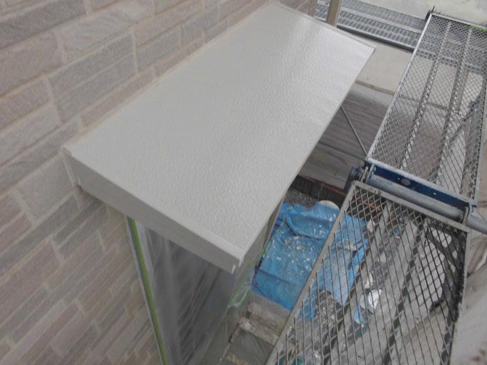 庇/下地処理、錆止め、主材中塗り塗装