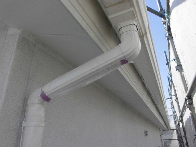 破風板、軒雨樋/中塗り塗装