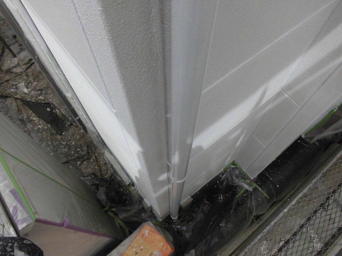 竪雨樋/主材中塗り塗装