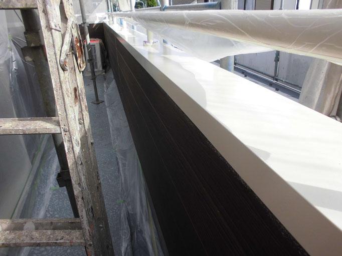 笠木鉄板/高圧洗浄、ケレン、下地処理、錆止め塗装、主材中塗り塗装