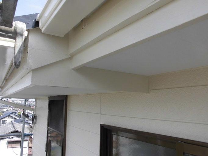 破風板/高圧洗浄、下地処理、主材中塗り塗装