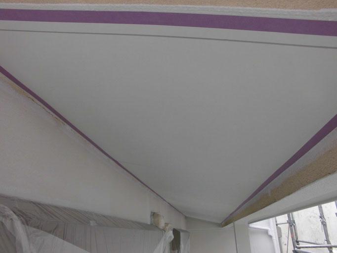 軒裏天井/主材中塗り塗装