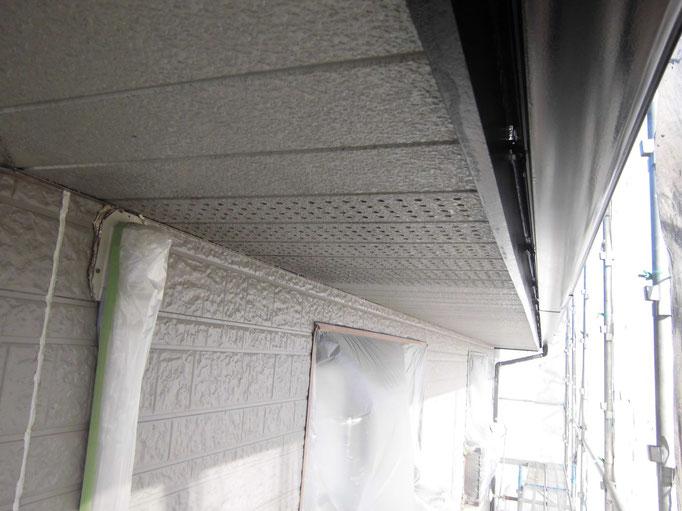 軒裏天井/高圧洗浄、下地処理、下塗り