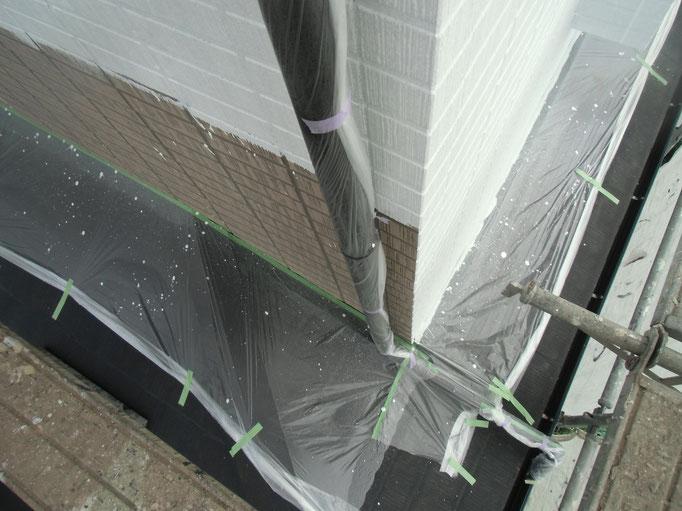 竪雨樋/高圧洗浄、下地処理、主材中塗り塗装