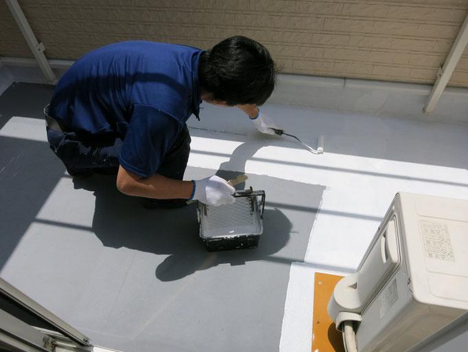 作業中/下塗り塗装