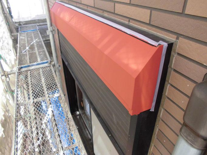 シャッターBOX/下地処理、錆止め、主材中塗り塗装