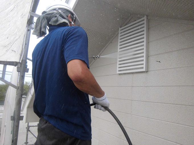 外壁、各所高圧洗浄