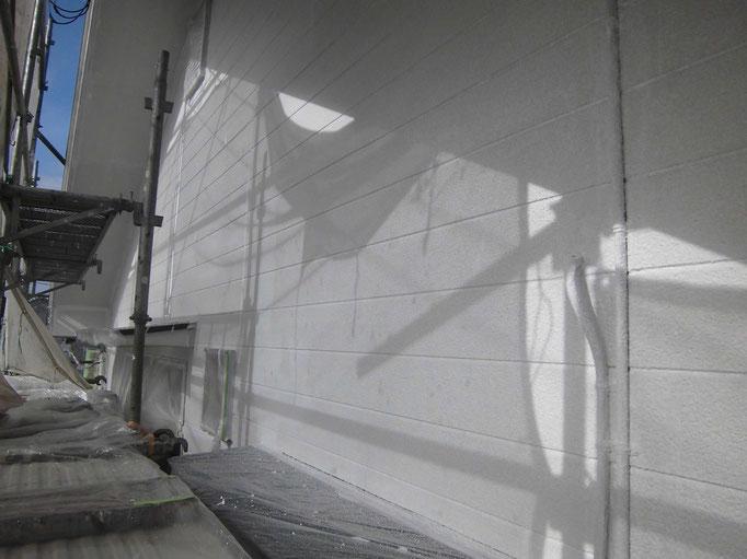 外壁/高圧洗浄、養生、下塗り塗装